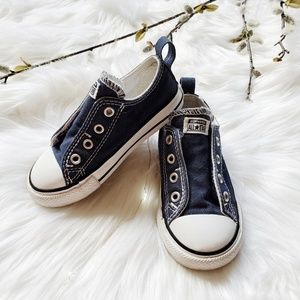 CONVERSE LOW-TOP NAVY NO LACE SNEAKERS